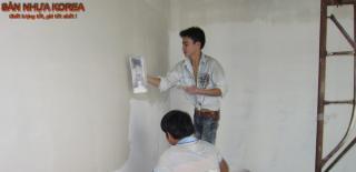Cách làm sạch sơn trên sàn nhà đơn giản