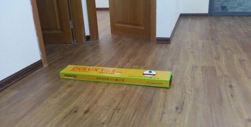 Sàn nhựa hèm khóa Dulux plus mã DL3401